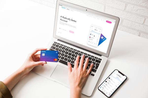 Android apple internet web dark web Revolut launches publicly in Singapore, signs deal with Mastercard thumbnail
