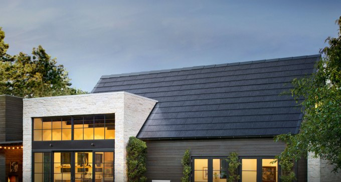 Tesla S New Solar Roof Costs Less Than A New Roof Plus Solar Panels Aims For Install Rate Of 1k Per Week Techcrunch