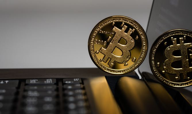 Moon's browser extension lets you pay with bitcoin on Amazon – TechCrunch