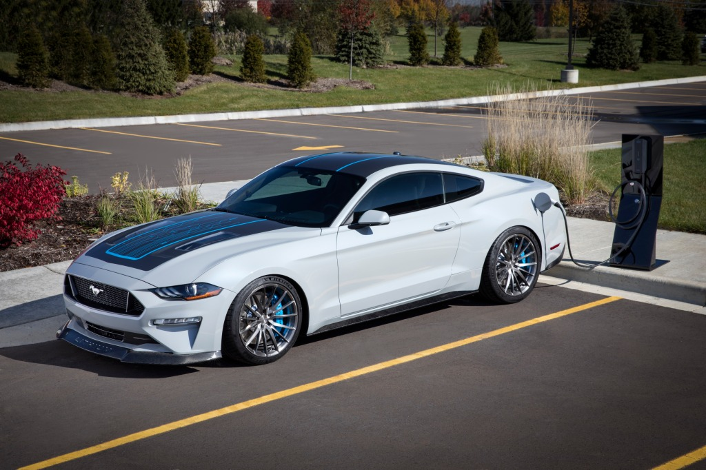 Ford-mustang-lithium-charging
