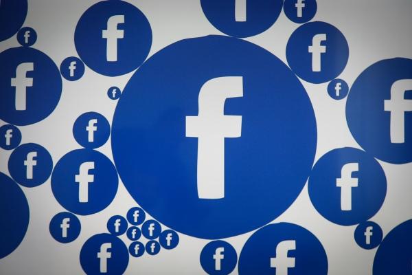 Facebook's Creator Studio gains a mobile companion - TechCrunch