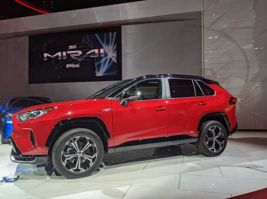 Toyota's first plug-in hybrid RAV4 Prime priced a skosh under $40,000 thumbnail