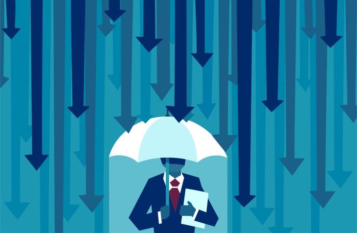 Vector de un empresario con paraguas resistiéndose a protegerse de las flechas que caen