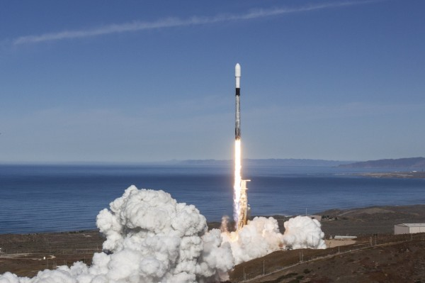 Daily Crunch: SpaceX's first astronaut launch is a 'go' thumbnail