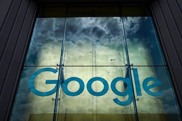 Google backtracks on search results design - TechCrunch