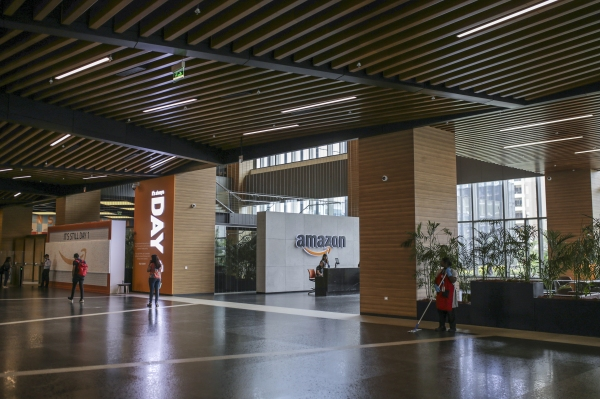 India orders investigation into alleged anti-competitive practices by Amazon and Walmart's Flipkart