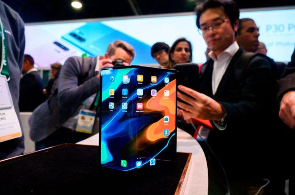2020 will be a moment of truth for foldable devices