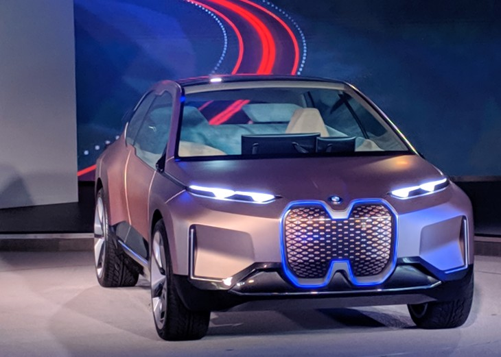 Bmw Launches Gaze Detection So Your Car Knows What Youre