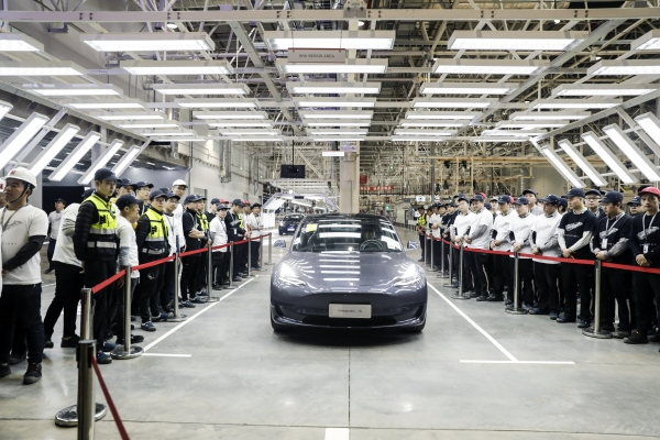 Tesla resurrects long-range RWD Model 3 for the Chinese market - techcrunch