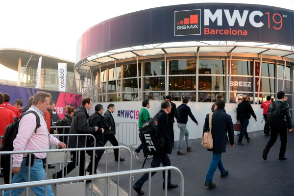 Lenovo won't be attending MWC in person, either - techcrunch