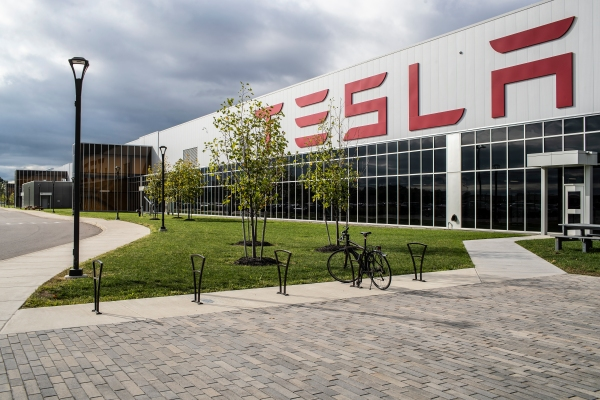 Tesla shows how its building ventilators with car parts