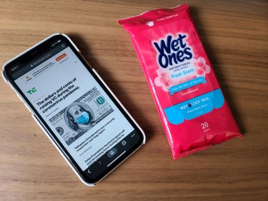Esperen, ¿no han estado limpiando sus teléfonos inteligentes todo este tiempo? - TechCrunch 25