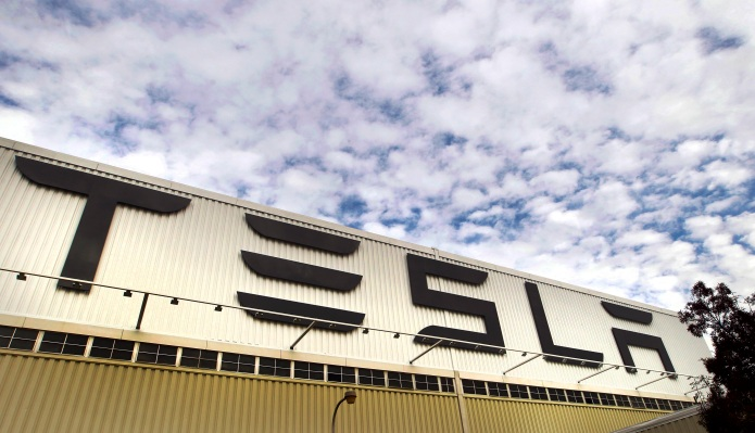 Tesla to temporarily shut down Fremont factory