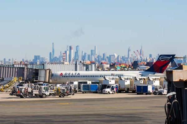 Delta Air Lines reduce la capacidad en un 40% - TechCrunch 1