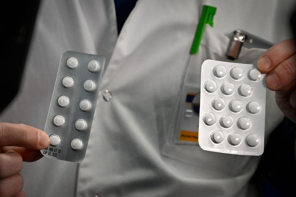 plaquenil vs. azithromycin medikamente
