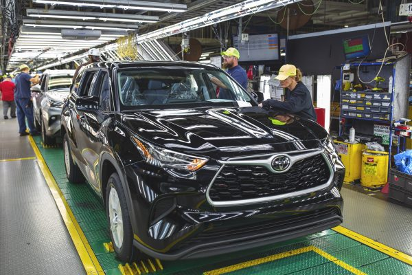 Toyota, Honda urge Congress to reject expanded tax incentive that would benefit Ford, GM, Stellantis
