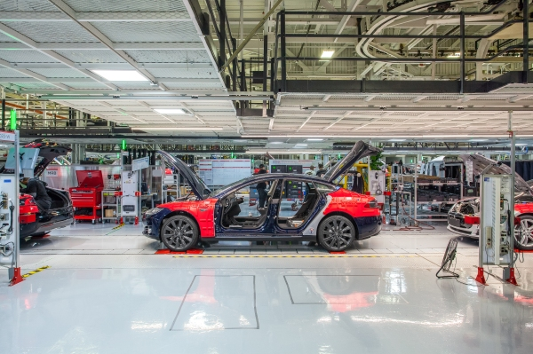 Elon Musk just put a new person in charge of production at Tesla's Fremont factory thumbnail