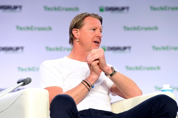Extra Crunch Live: Join Verizon CEO Hans Vestberg for a live Q&A today at 2pm EDT/11am PDT thumbnail