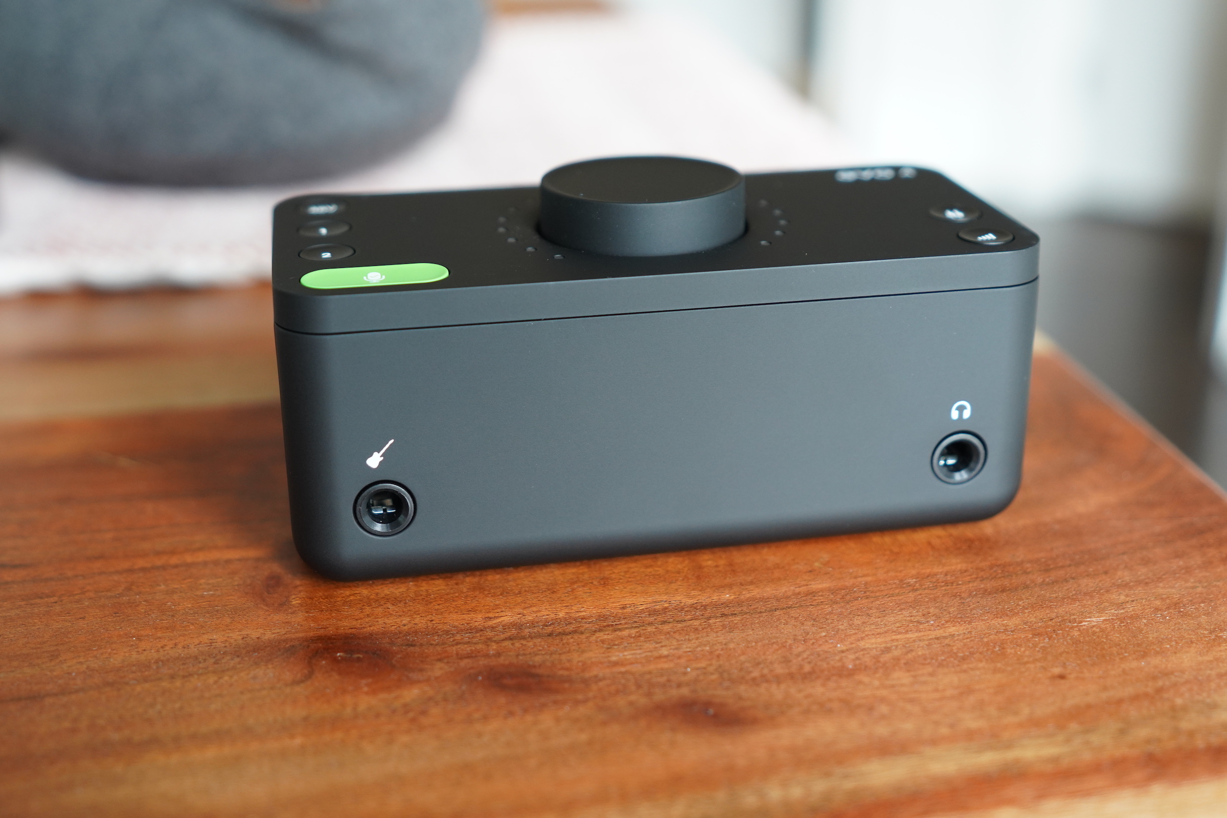 Audient's EVO 4 is a sleek, modern USB audio interface with useful smart features – TechCrunch