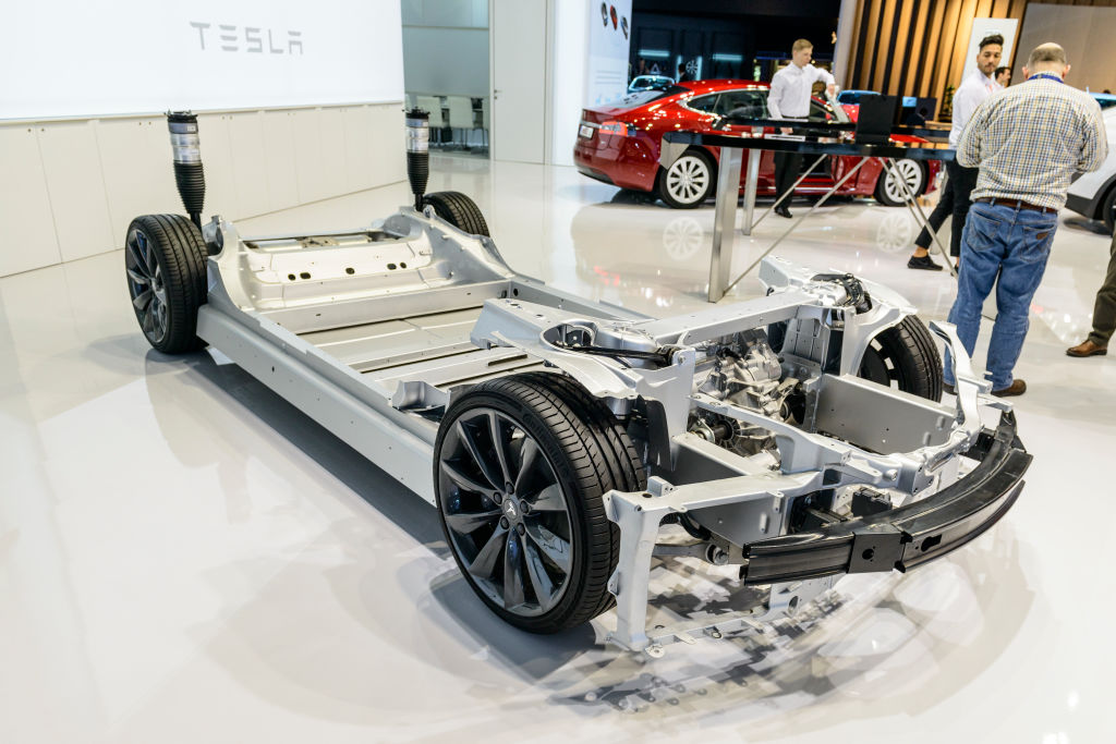 Tesla's latest invention: Secret low-priced batteries that last a million miles