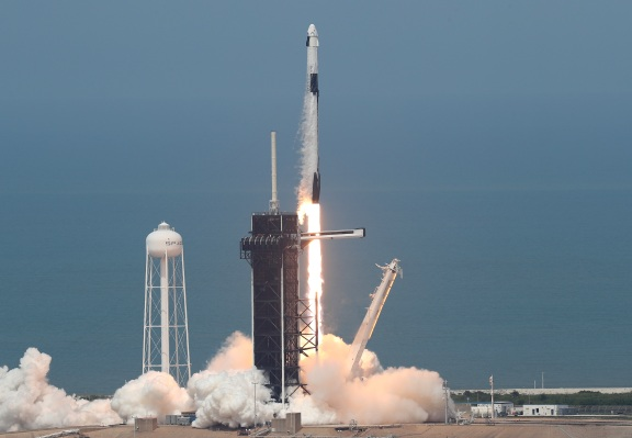Varda Space Industries will send its first space factory to orbit on a SpaceX Falcon 9 rocket