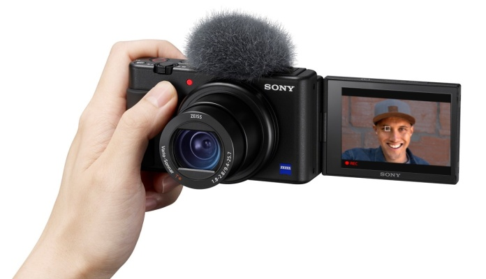 Sony's ZV-1 compact camera zooms in on vloggers thumbnail