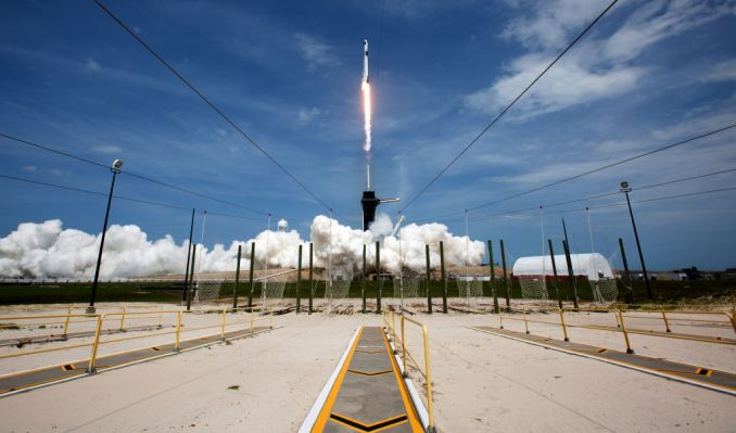 photo of SpaceX's new $850 million raise confirmed in SEC filing image
