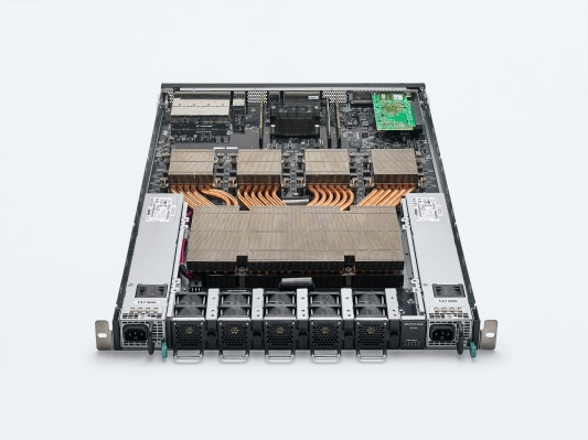 Graphcore unveils new G200 chip and the expandable M2000 IPU Machine that runs on them thumbnail