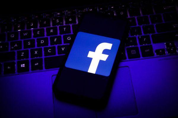 Facebook's secret settlement on Cambridge Analytica gags UK data watchdog - techcrunch