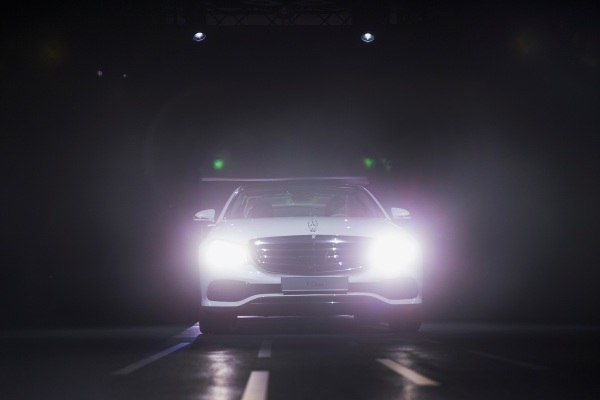 Security bugs let these car hackers remotely control a Mercedes-Benz - techcrunch
