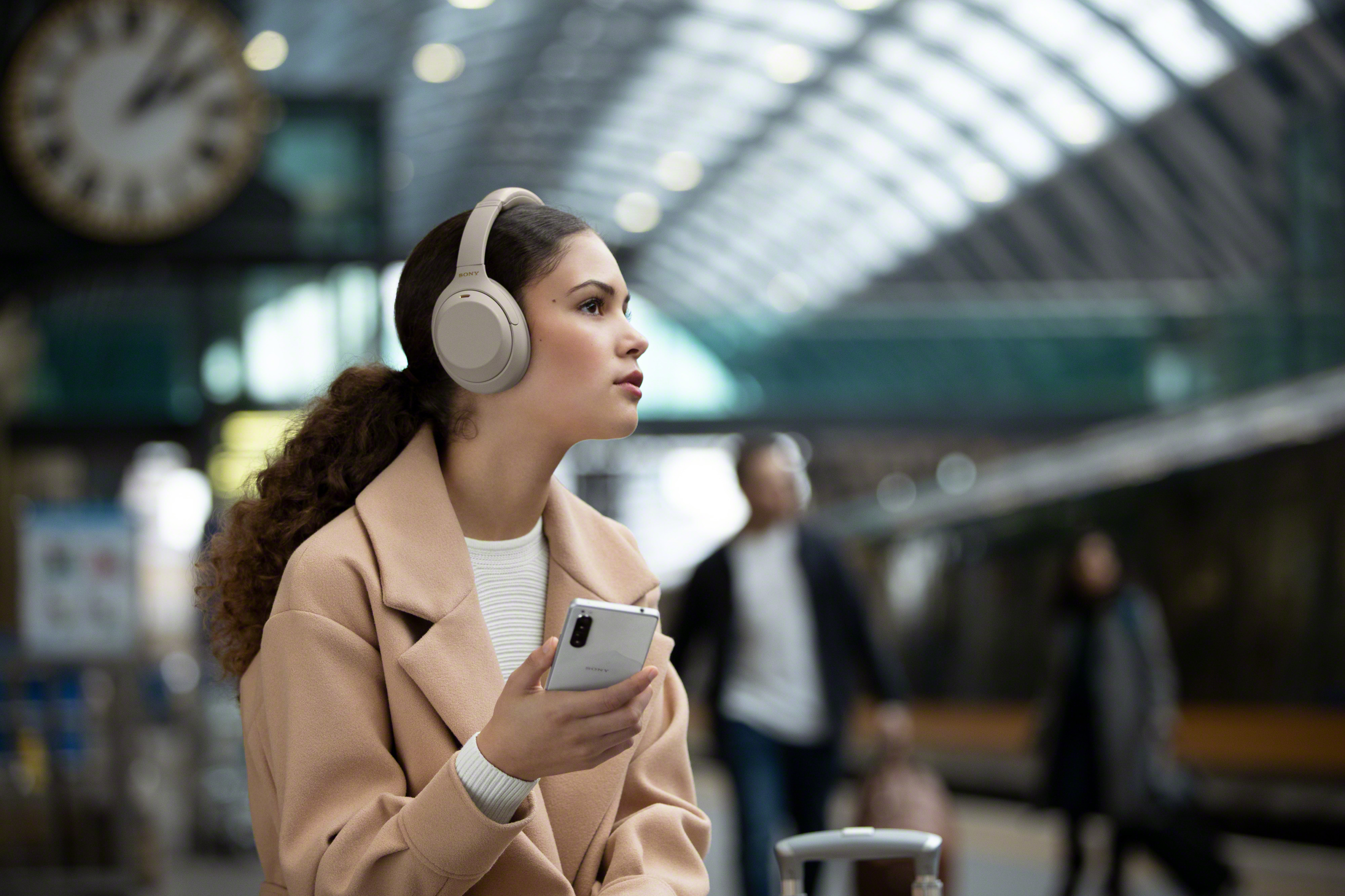 Sony WH-1000XM4 Wireless Noise Cancelling Headphones Launched, Priced at $350