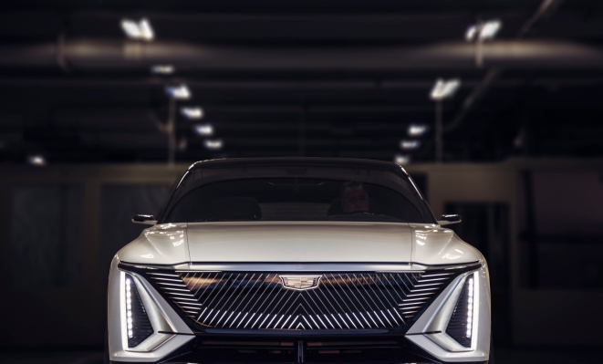 Cadillac reveals Lyriq, its all-electric SUV flagship loaded with luxury and tech - techcrunch