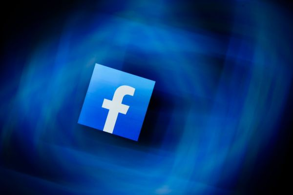 Apple is (temporarily) waiving its App Store fee for Facebook's online events - techcrunch