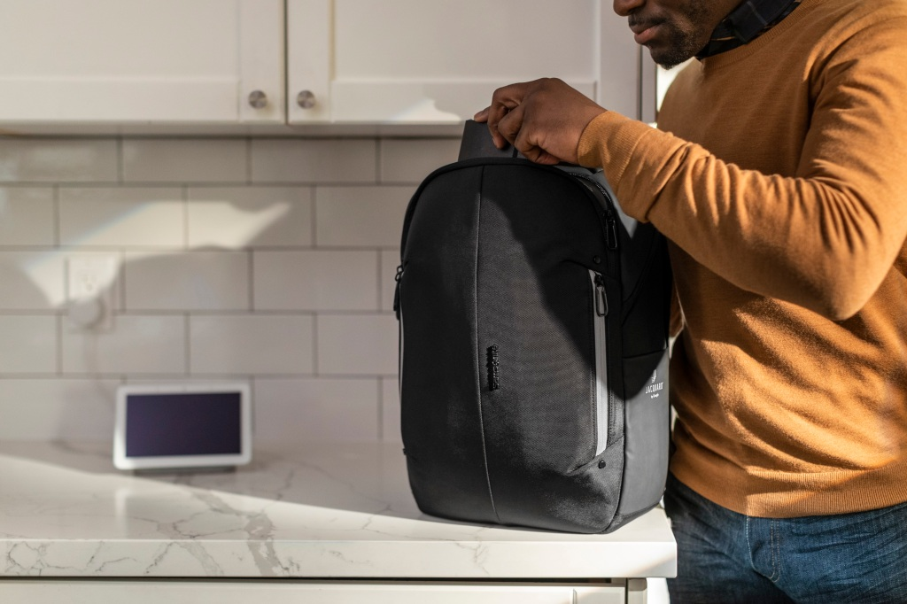 Google teams up with Samsonite to launch a Jacquard smart fabric-enabled  backpack | TechCrunch