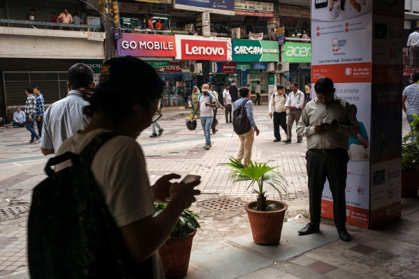 Smartphone shipments rebound to hit an all-time high in India - techcrunch