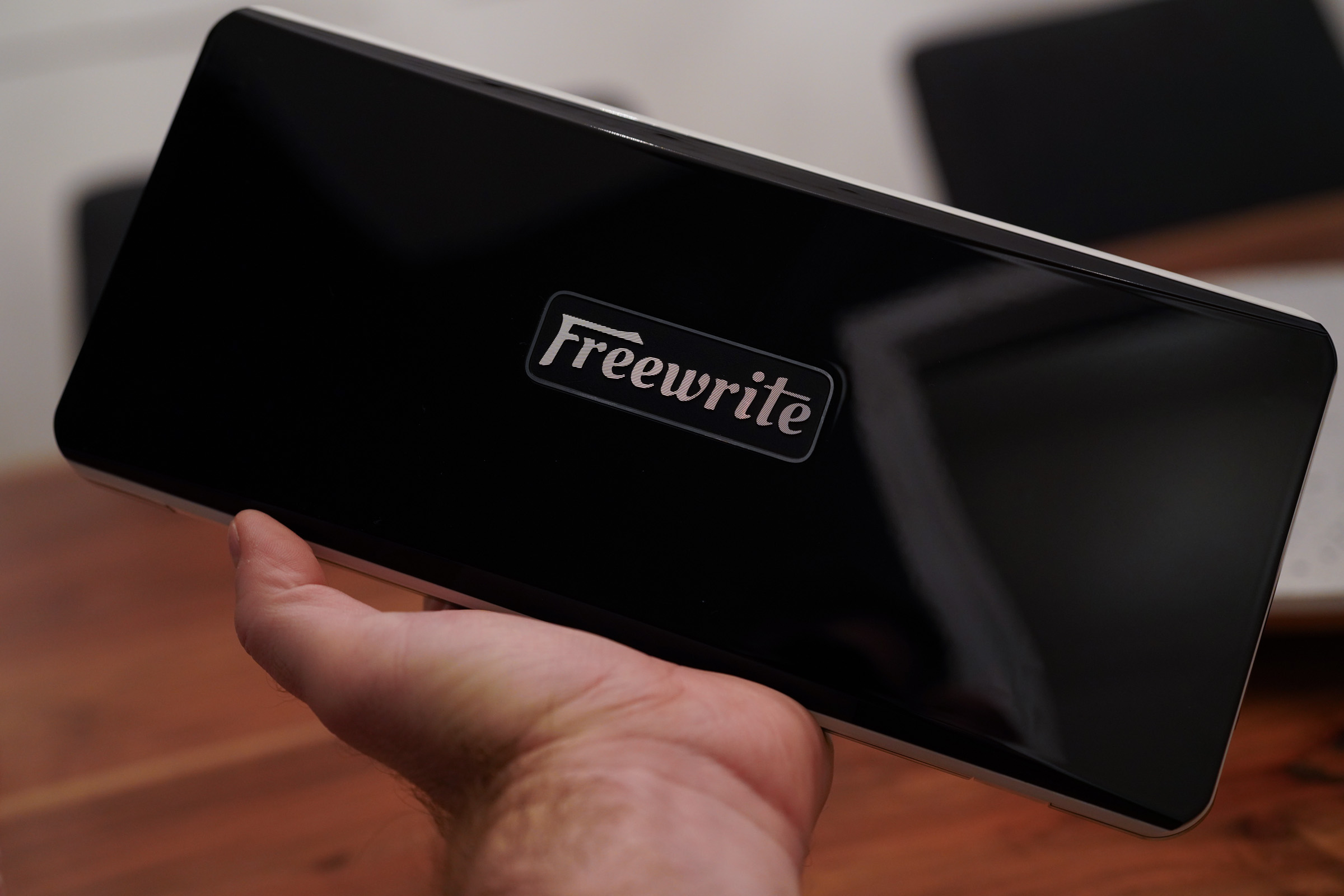The Freewrite Traveler is an outstanding, but expensive, dedicated portable writing laptop – TechCrunch 5