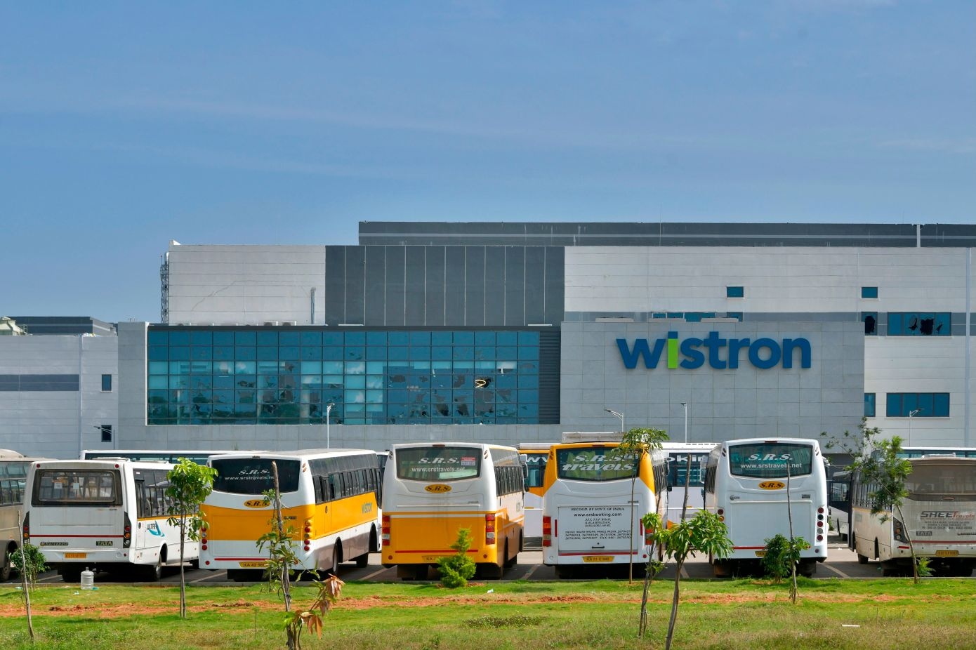Apple puts contract partner Wistron on probation after the violence at India plant
