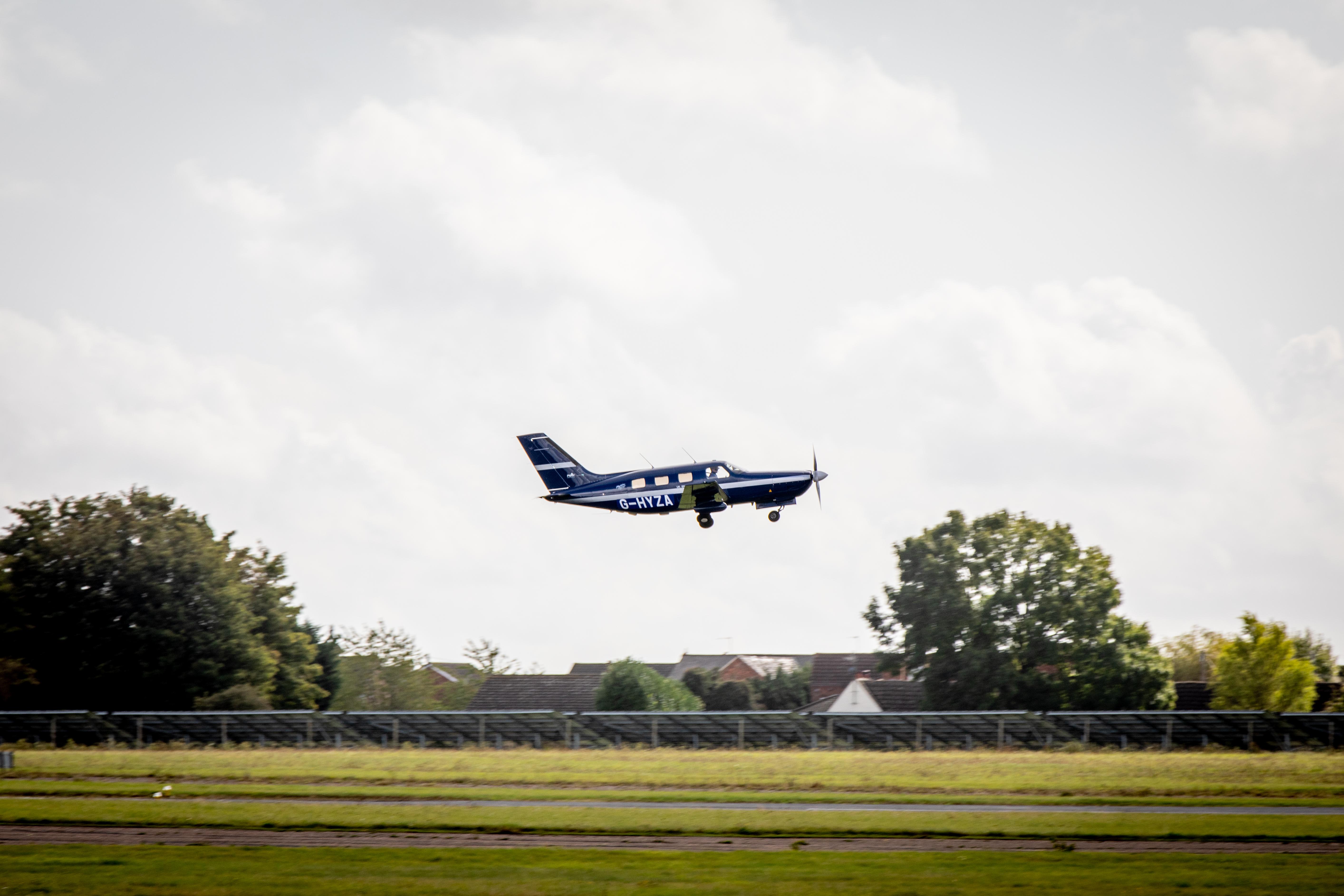 International Business: Support for ZeroAvia's hydrogen plane plan