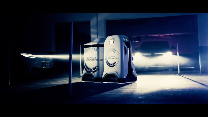 VW's prototype robot is designed to offer full-service charging for electric vehicles – TechCrunch