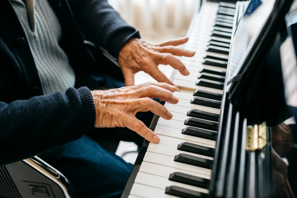 Startups at CES showed how tech can help elderly people and their caregivers - techcrunch