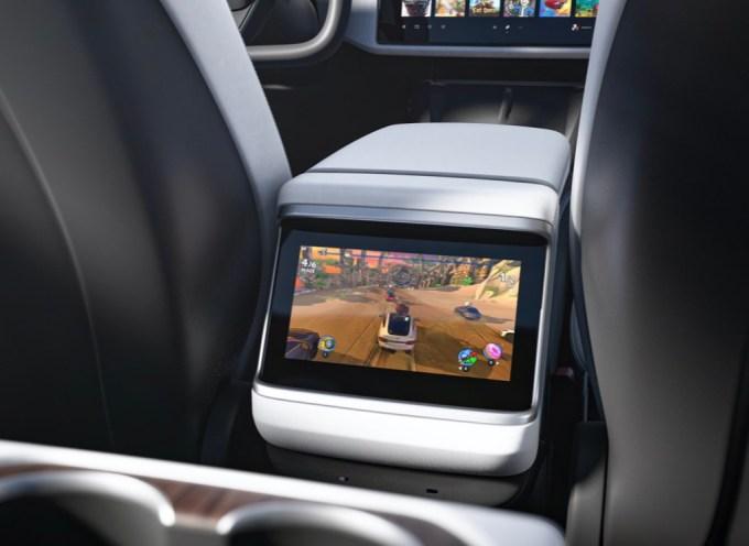 Here is the new interior of Tesla's Model S – TechCrunch
