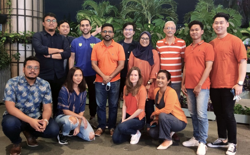 A team photo of GajiGesa, a fintech startup in Indonesia that works with underbanked people