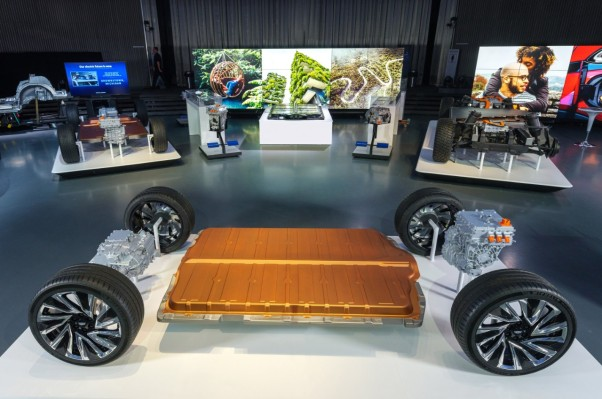 GM, LG Chem studying the feasibility of a second battery cell plant in the US