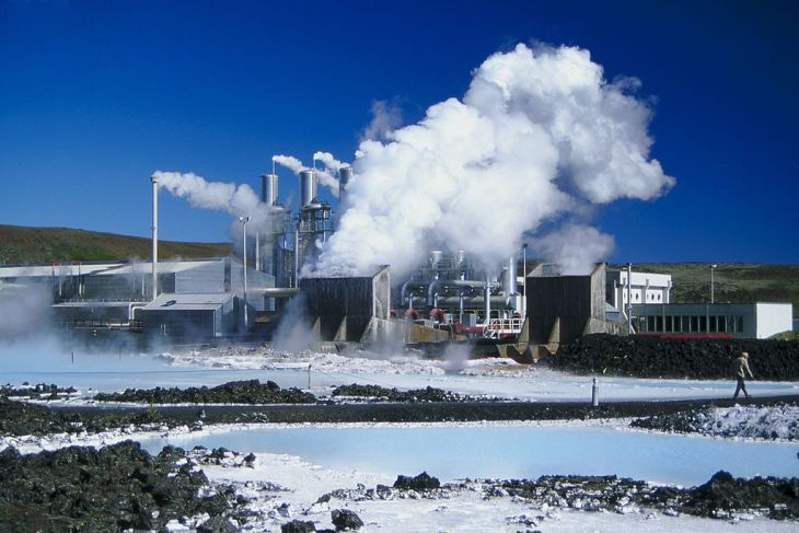 Geothermal Plant and Blue Lagoon leisure park, Iceland.
