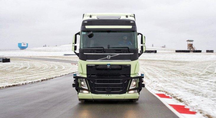 Aurora and Volvo partner to bring autonomous long-haul trucks to North America