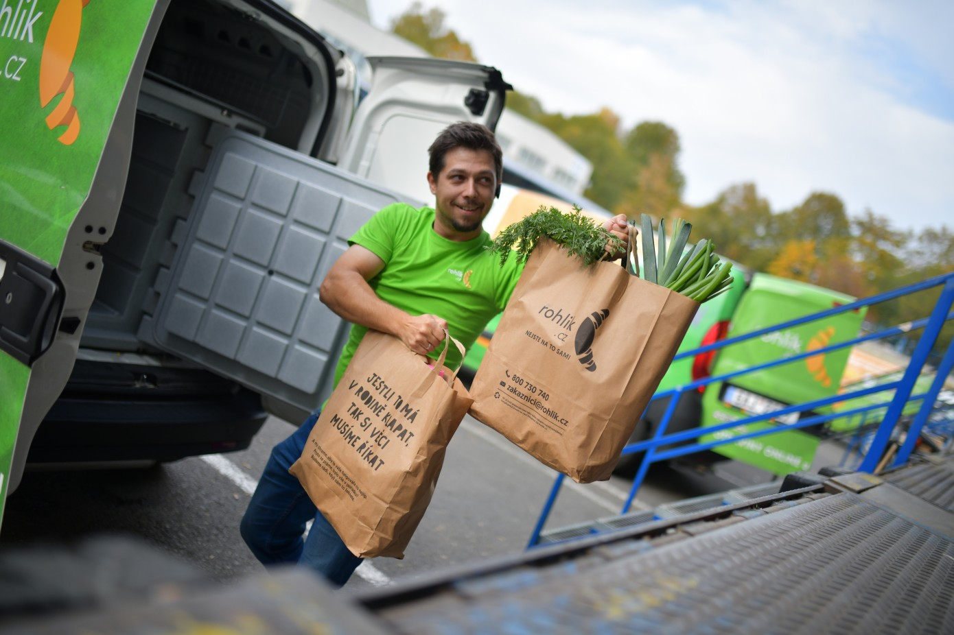 Czech on-demand grocery delivery startup Rohlik bags $230M to expand across Europe