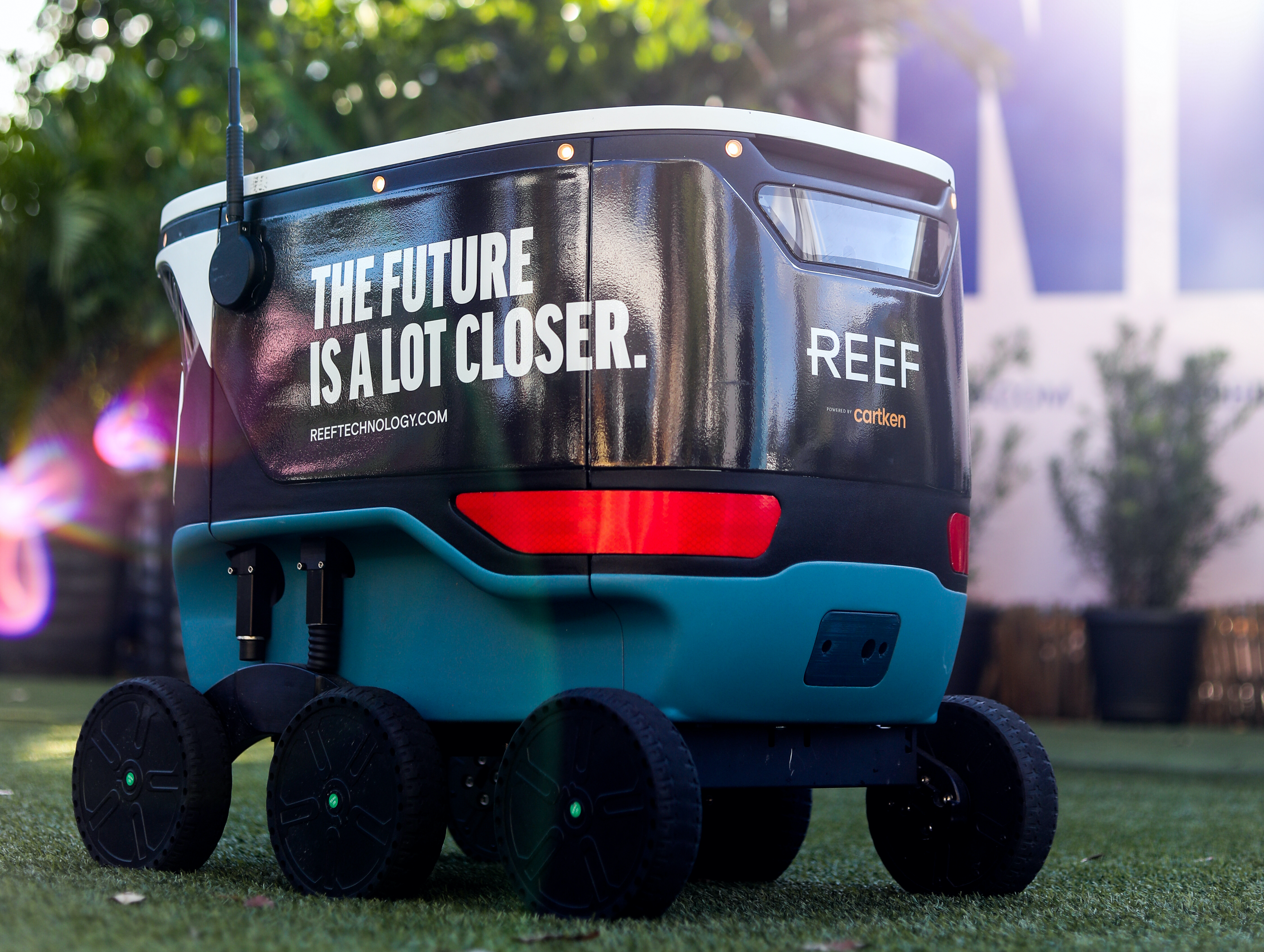Google spinoff Cartken and REEF Technologies launch Miami's first delivery robots