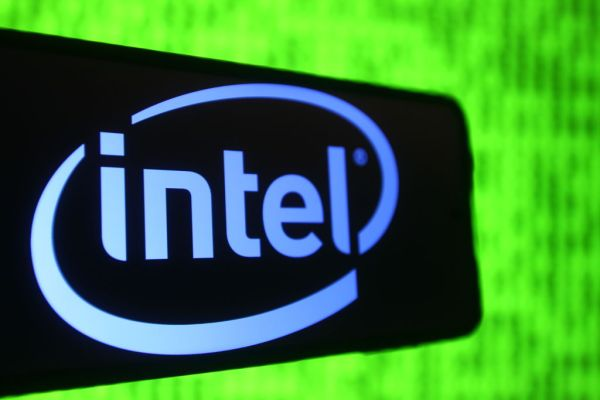 Intel inks deal with Department of Defense to support domestic chip-building ecosystem – TechCrunch