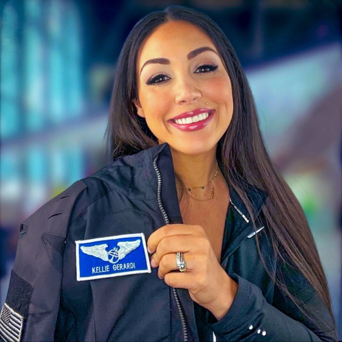 Kellie Gerardi  - E288hhpXMAAzT8l - Virgin Galactic to fly Kellie Gerardi to space on a dedicated research mission – TechCrunch