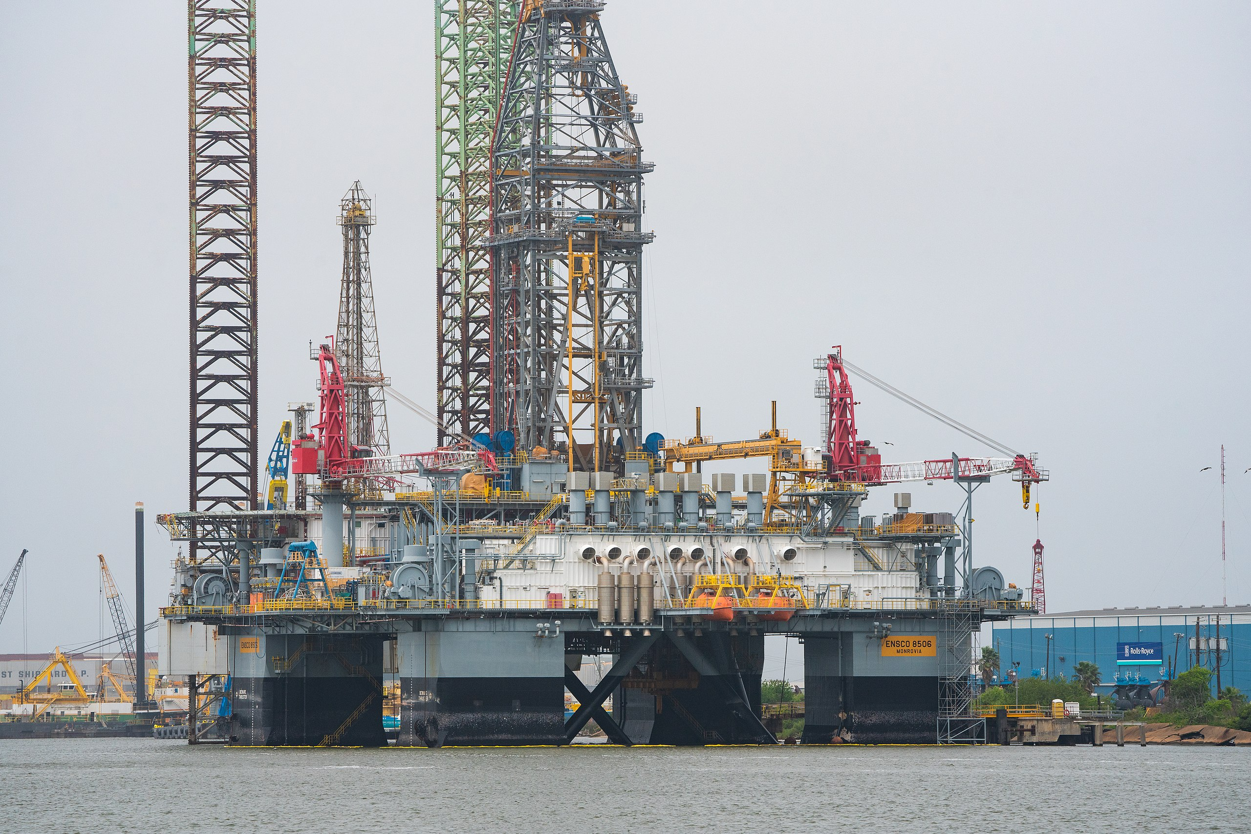 ENSCO offshore oil rig like the one SpaceX is converting